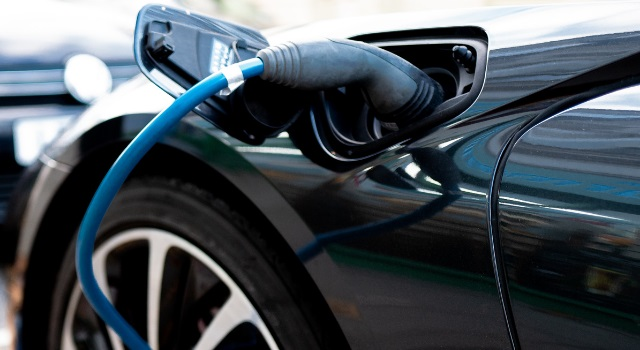 Hybrid and electric 2020 cars